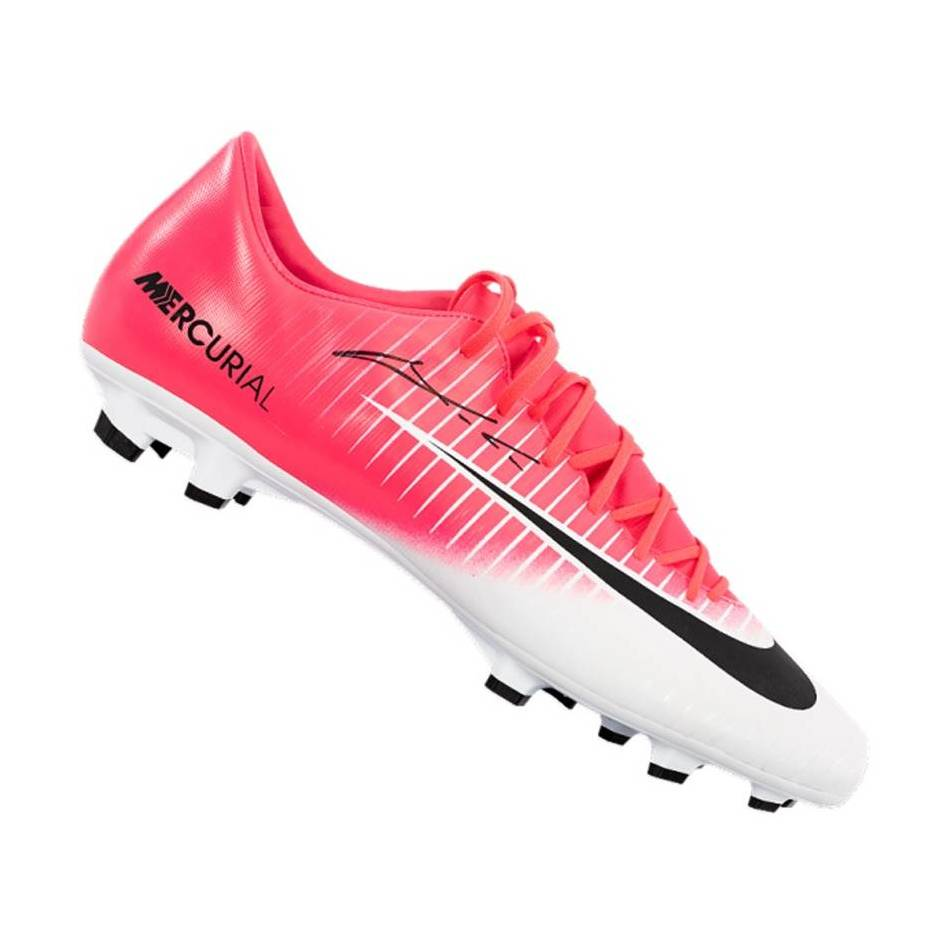 mainLuka Modric Signed Boot0