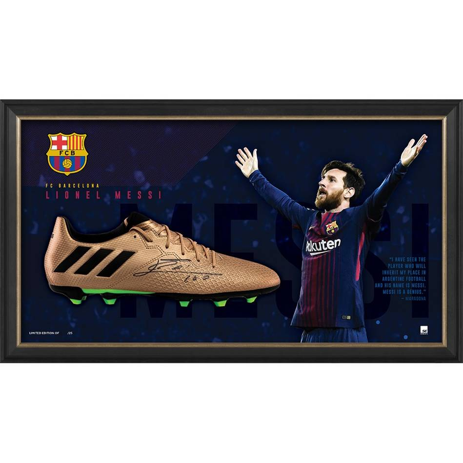 mainLionel Messi Signed Boot Display0