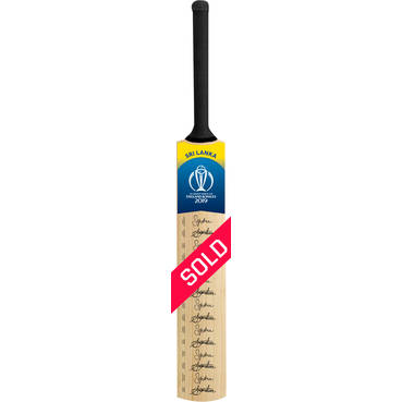 Sri Lanka CWC 2019 Squad Signed Bat