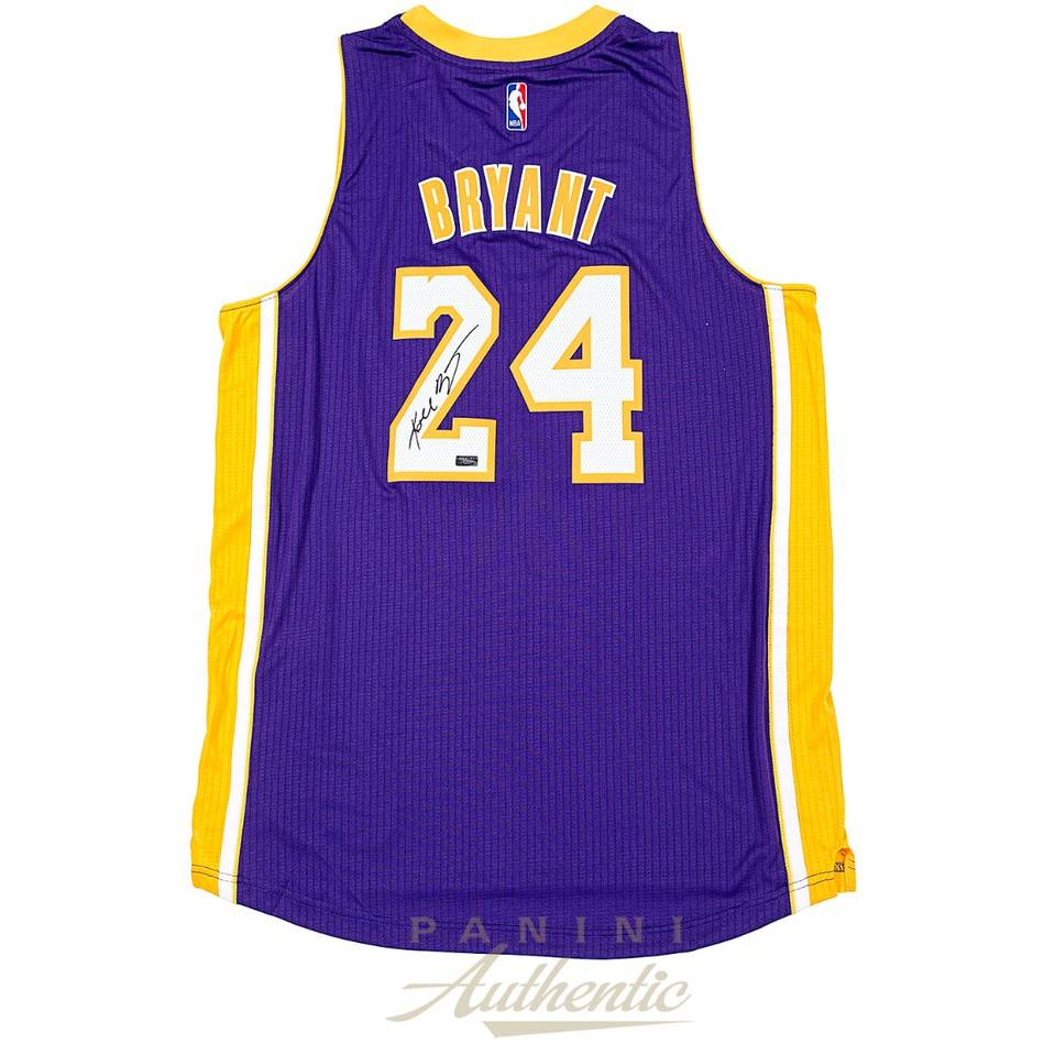 mainKobe Bryant Signed Los Angeles Lakers Jersey0